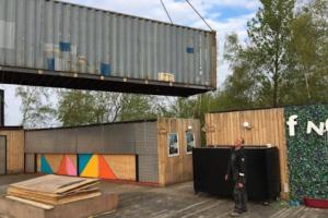 container vervoer en verplaatsen-regattabeach